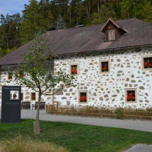 (c) Verein der Freunde der Bauernmöbel Hirschbach